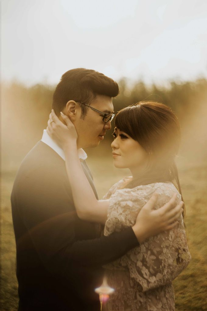 Mike & Tiff Bandung Prewedding by Levin Pictures - 003
