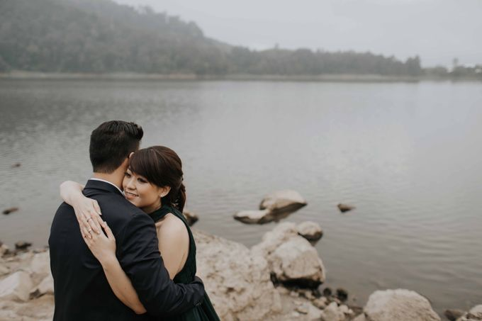 Mike & Tiff Bandung Prewedding by Levin Pictures - 018