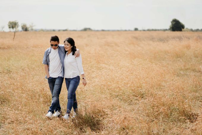 Alfredo & Jesslyn Sumba Prewedding by Levin Pictures - 010
