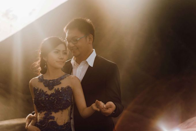 William & Yenny Bromo Prewedding by Levin Pictures - 012