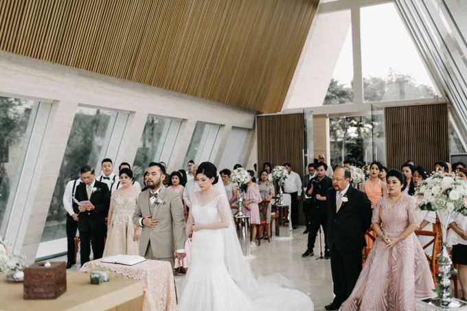 Andrew & Agnes Bali Wedding - Holy Matrimony by Levin Pictures - 036
