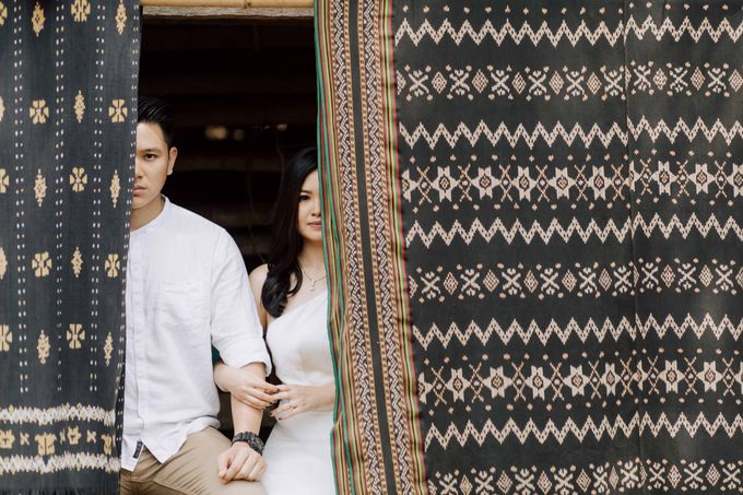 Alvin & Rosa Sumba Prewedding by Levin Pictures - 006