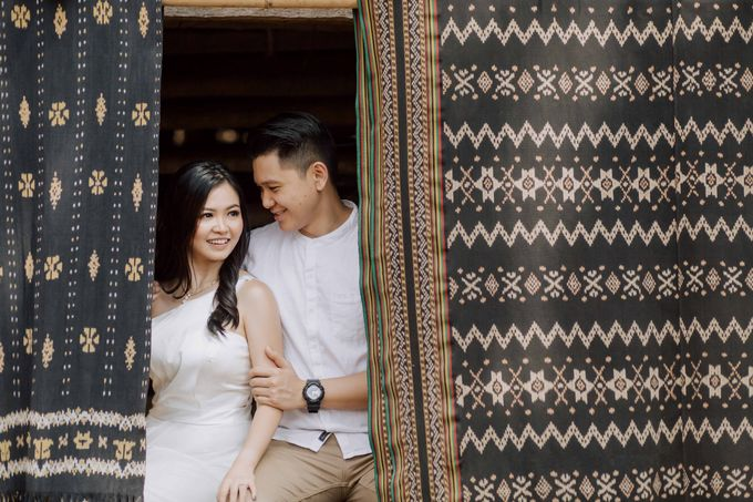 Alvin & Rosa Sumba Prewedding by Levin Pictures - 007