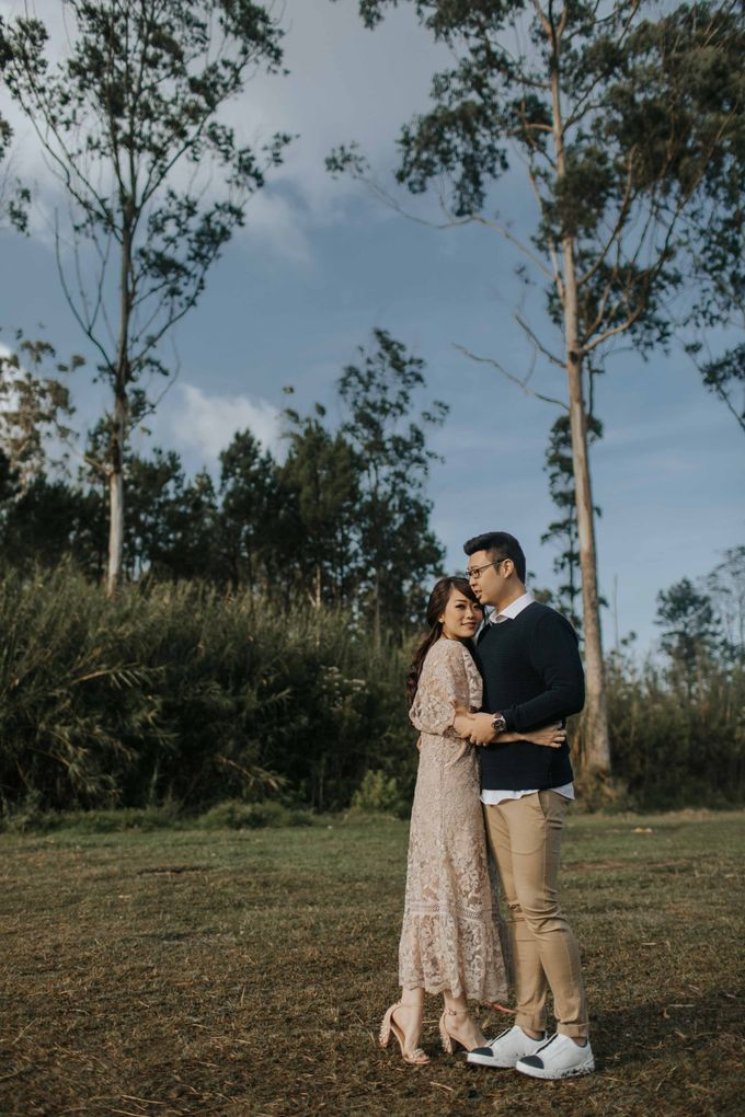 Mike & Tiff Bandung Prewedding by Levin Pictures - 005