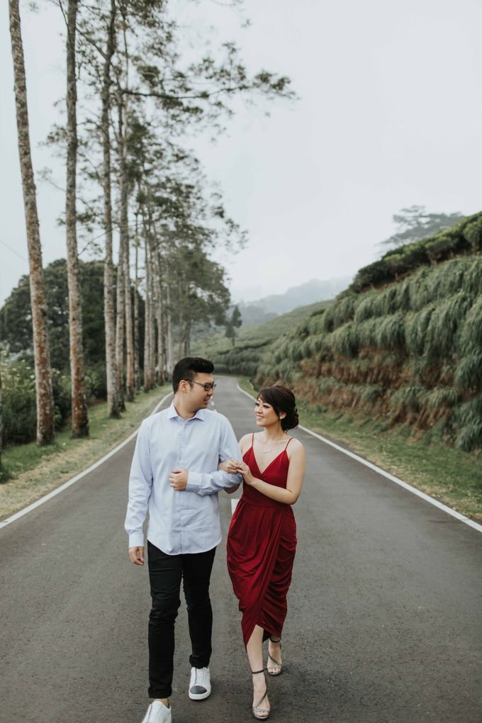 Mike & Tiff Bandung Prewedding by Levin Pictures - 014