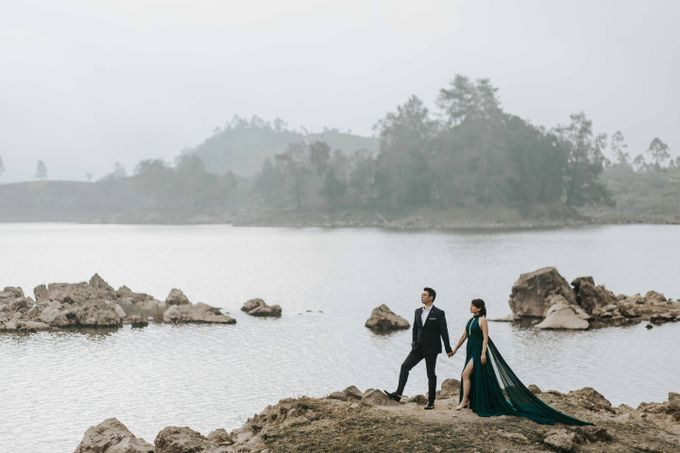 Mike & Tiff Bandung Prewedding by Levin Pictures - 017