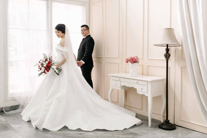 Hendry & Jenny Indoor Prewedding by Levin Pictures - 001