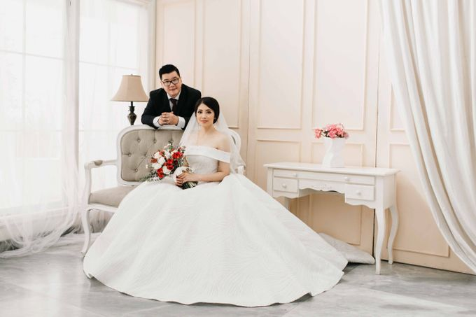 Hendry & Jenny Indoor Prewedding by Levin Pictures - 003