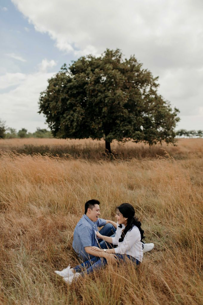 Alfredo & Jesslyn Sumba Prewedding by Levin Pictures - 009