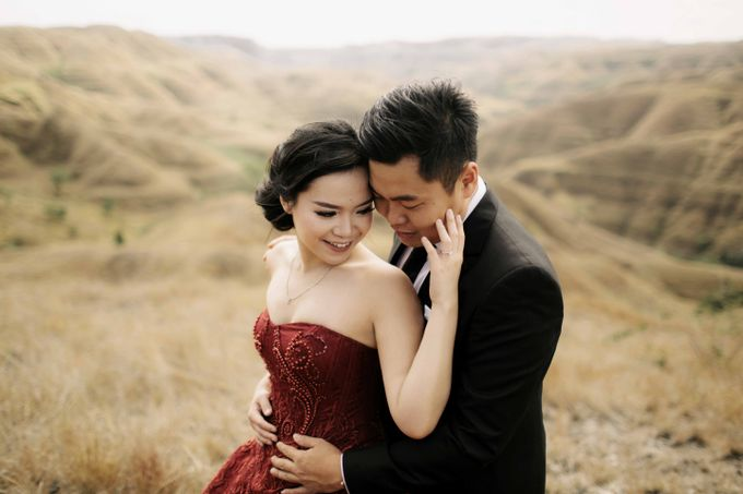 Mison & Yovita Sumba Prewedding by Levin Pictures - 005