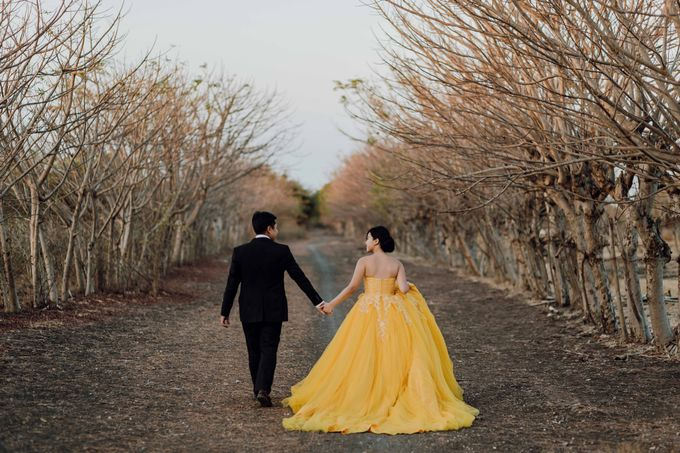 Mison & Yovita Sumba Prewedding by Levin Pictures - 029