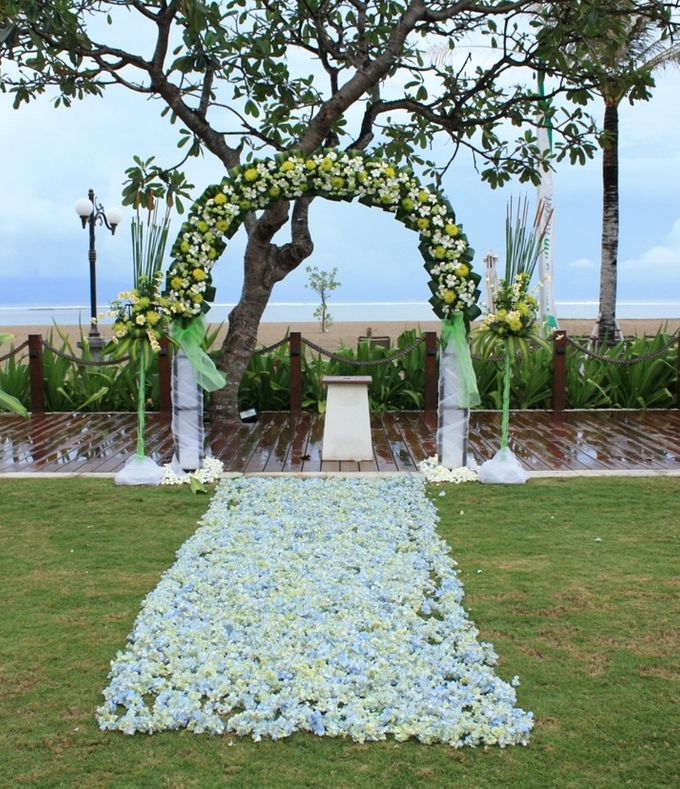 Garden & Beach Wedding by Holiday Inn Resort Baruna Bali - 012
