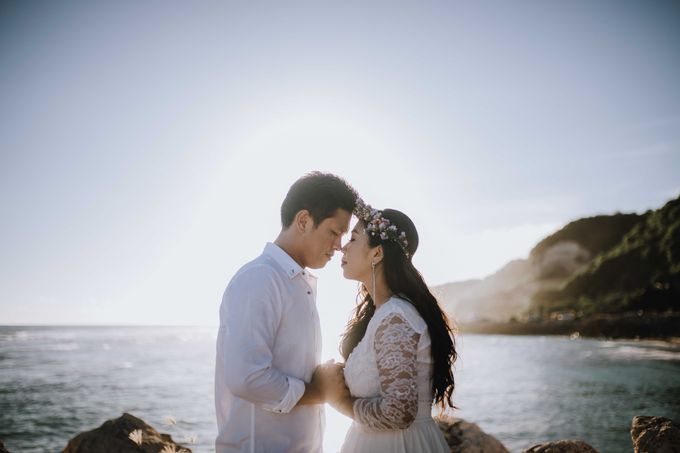Yenny & Udi Couple Session by MOMENTO PHOTOGRAPHY - 001