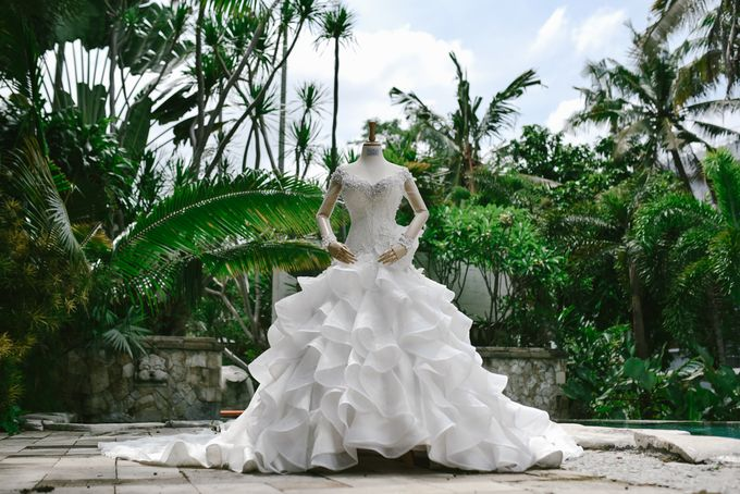 Emi Wedding Dress by Yenny Lee Bridal Couture - 010
