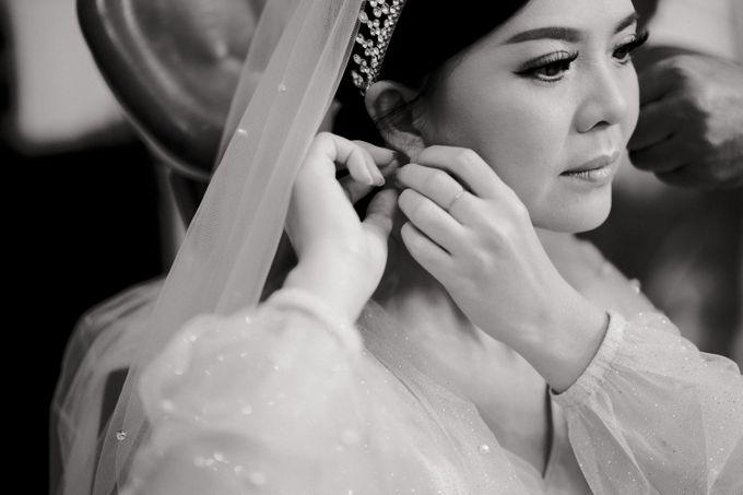 Wedding of Yohanes and Silvia by Yosgawan Studios - 002