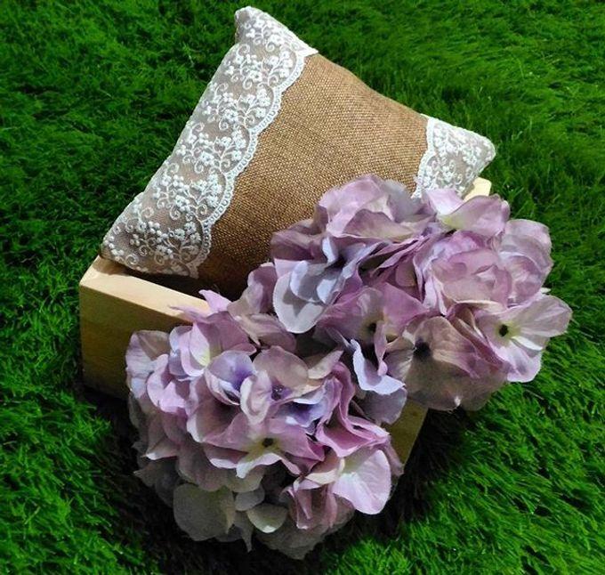 Wedding ring box by Hana Seserahan - 025
