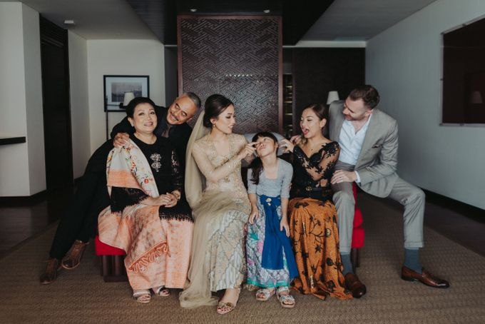 Sho & Vanda Real Wedding Story by Tirtha Bridal - 014