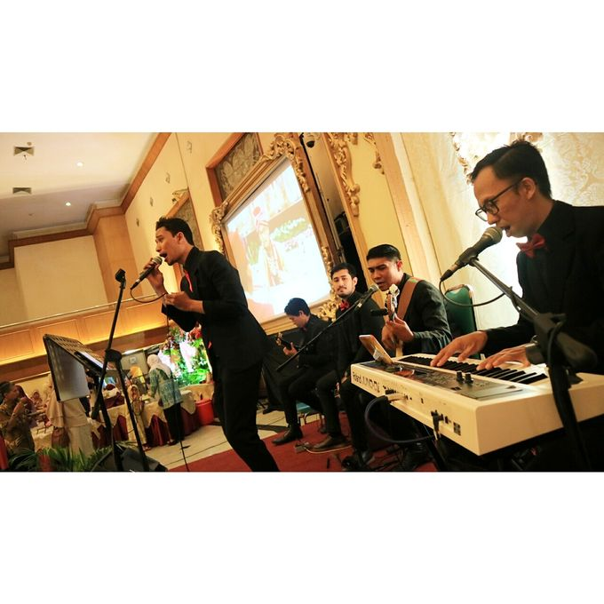 Middle Acoustic at Pertamina Simprug by HEAVEN ENTERTAINMENT - 006