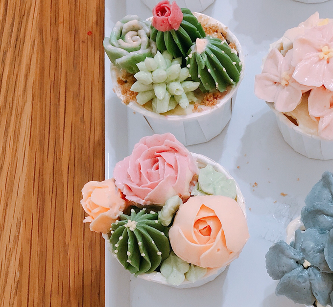 Add To Board Buttercream Floral Cake Cupcakes By Yoyosummer