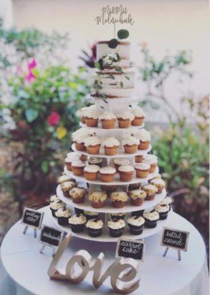 Wedding Cake Cupcake Tower By Yoyosummer Bridestory Com