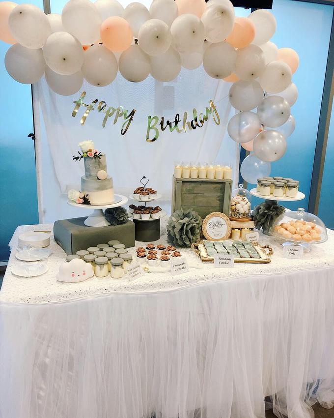 Marble theme birthday party dessert table by Yoyosummer - 004