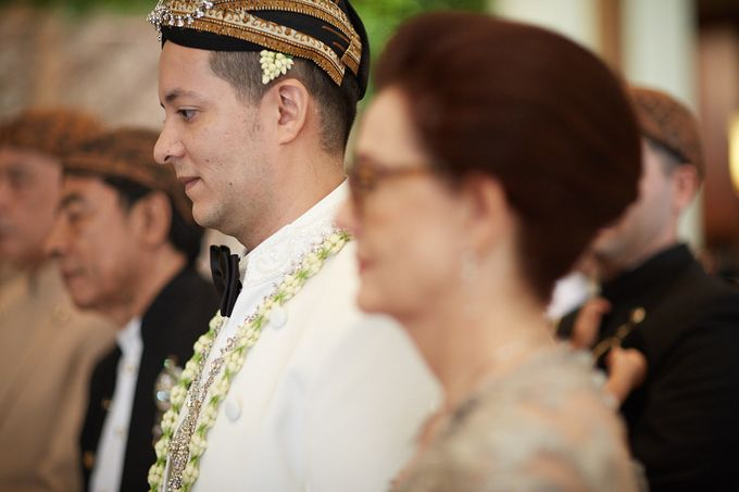 Yasrif & Ruskha - Ceremony by Camio Pictures - 017
