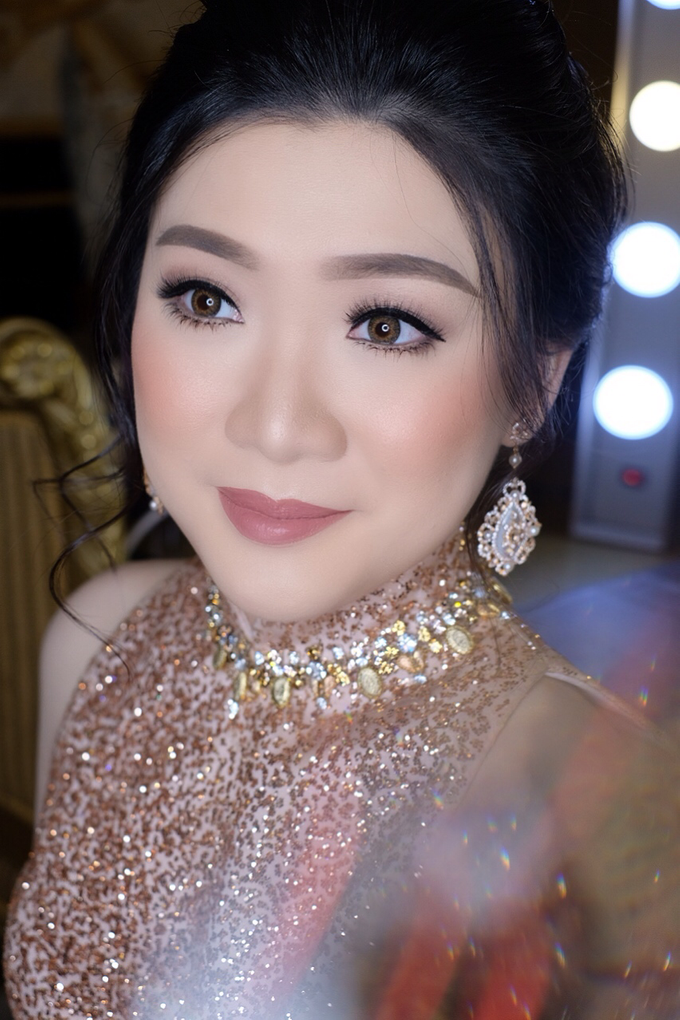 Makeup & Hairdo Engagement for Ms. Inge Hiunata by makeupbyyobel - 005
