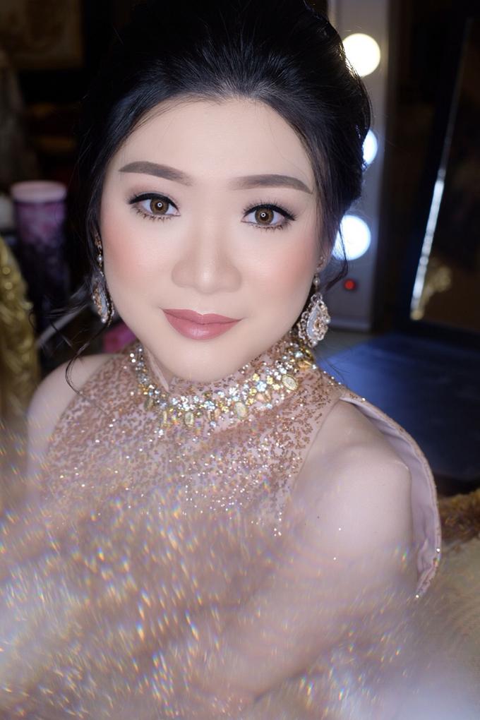 Makeup & Hairdo Engagement for Ms. Inge Hiunata by makeupbyyobel - 009