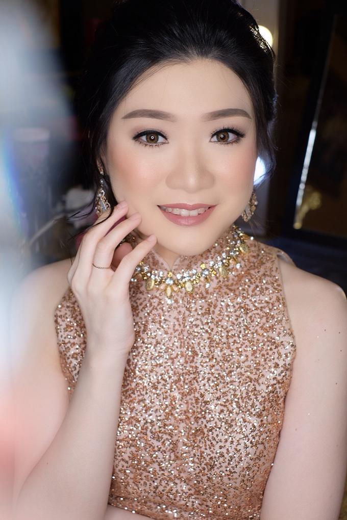 Makeup & Hairdo Engagement for Ms. Inge Hiunata by makeupbyyobel - 008