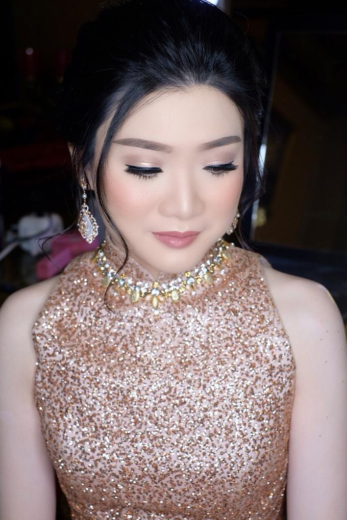 Makeup & Hairdo Engagement for Ms. Inge Hiunata by makeupbyyobel - 011