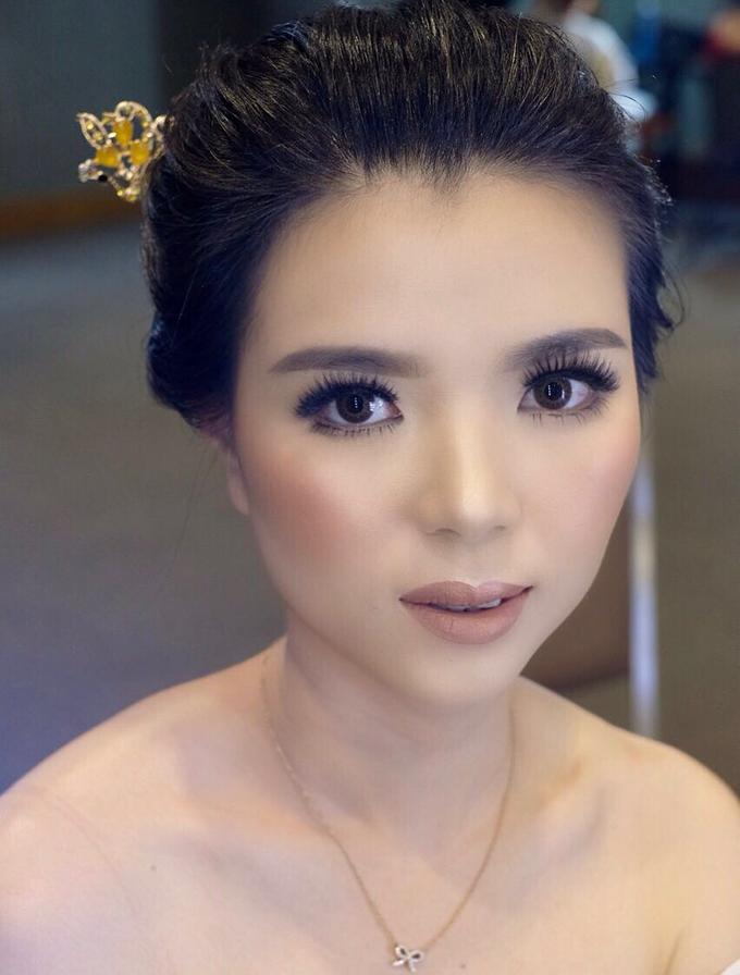Makeup & Hairdo Sister of the Bride (Ms. Lidyana) by makeupbyyobel - 002