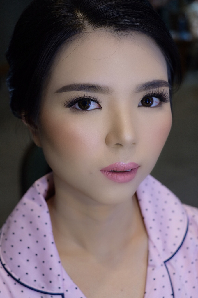 Makeup & Hairdo Sister of the Bride (Ms. Lidyana) by makeupbyyobel - 004