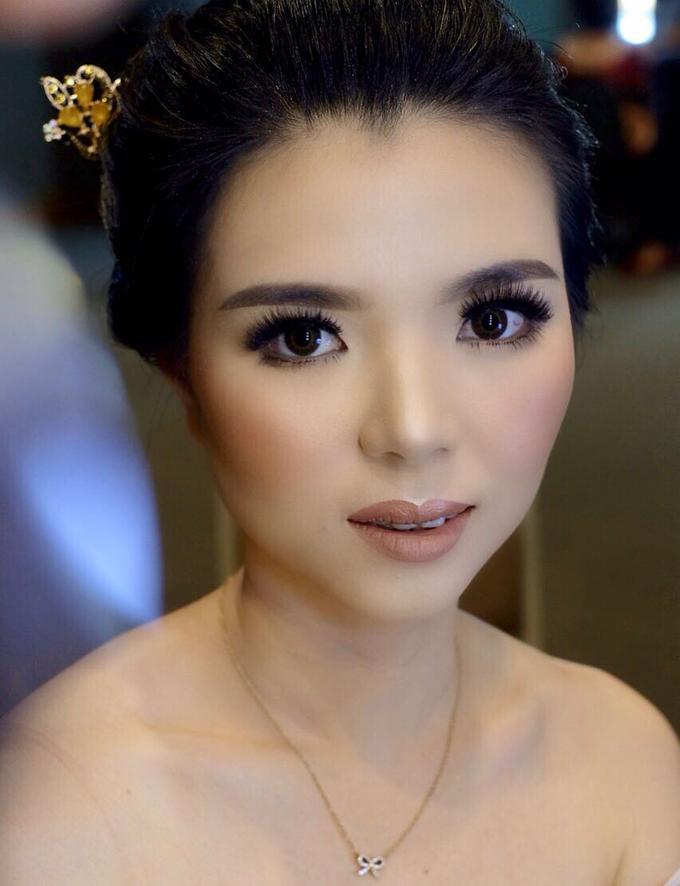 Makeup & Hairdo Sister of the Bride (Ms. Lidyana) by makeupbyyobel - 001