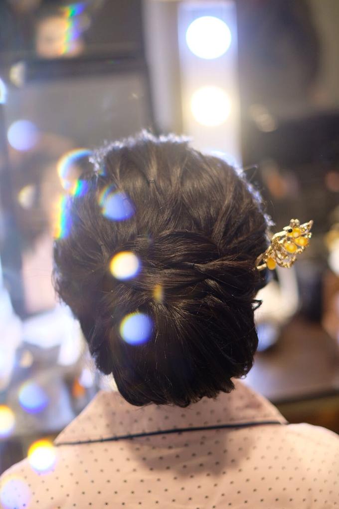 Makeup & Hairdo Sister of the Bride (Ms. Lidyana) by makeupbyyobel - 007