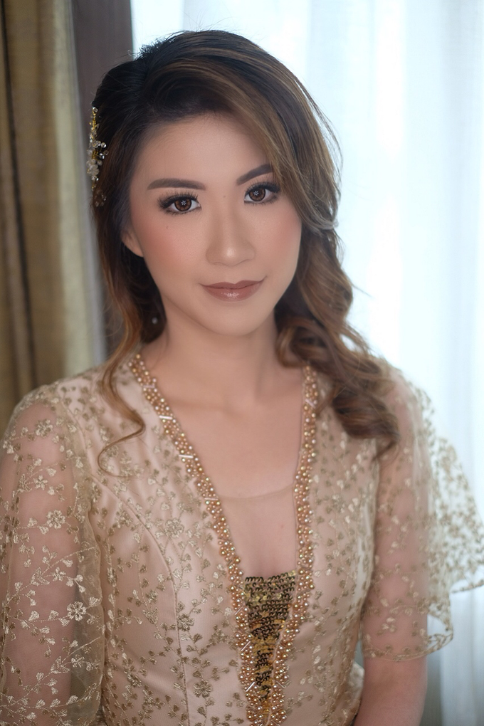 Makeup & Hairdo Sister of the Bride ( Mrs. Vallen) by makeupbyyobel - 009