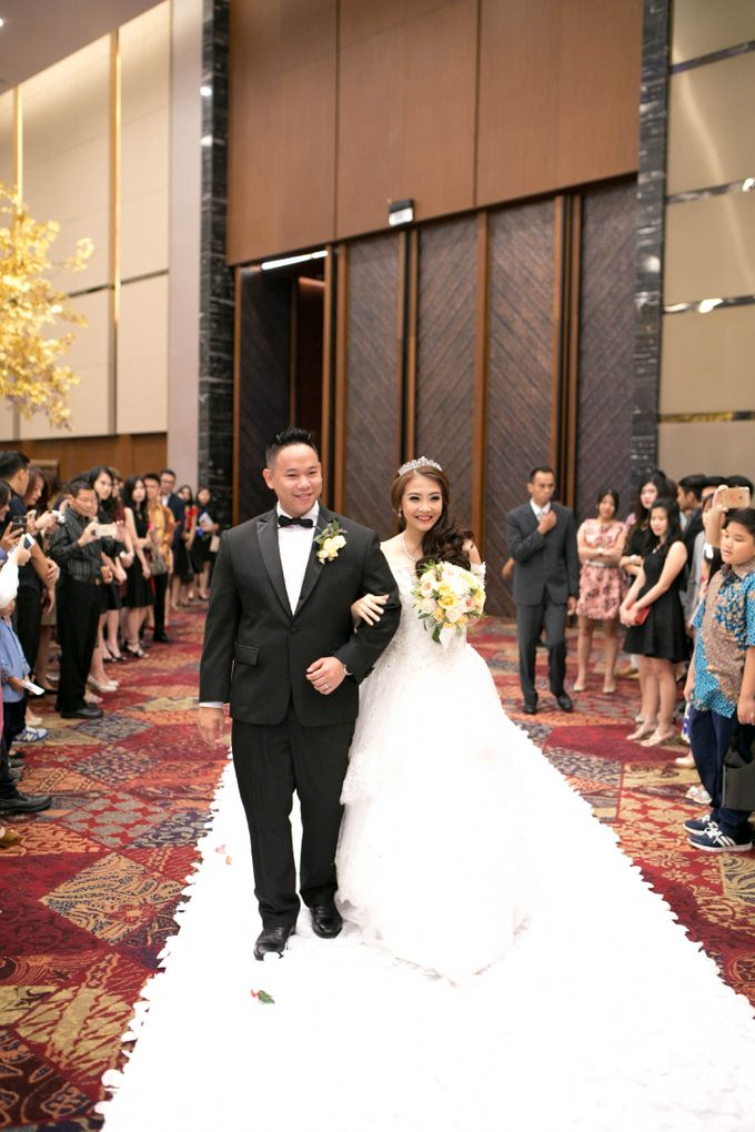 Wedding of Peter and Linda by Pizzaro Sensation Design - 007