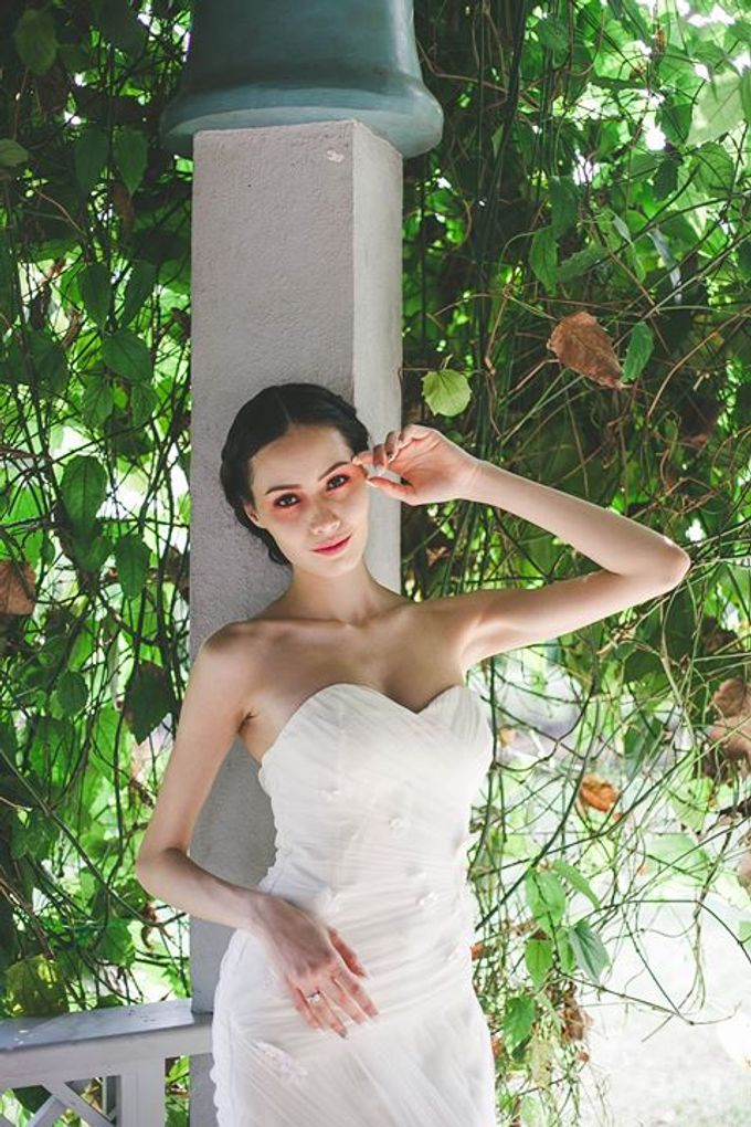 Emcee Couture 2016 Bridal Lookbook by Emcee Couture - 001