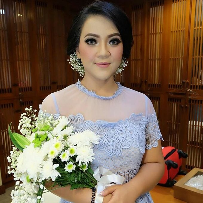 Hairdo For bride / Wedding by Makeup And Hairdo By iis - 002