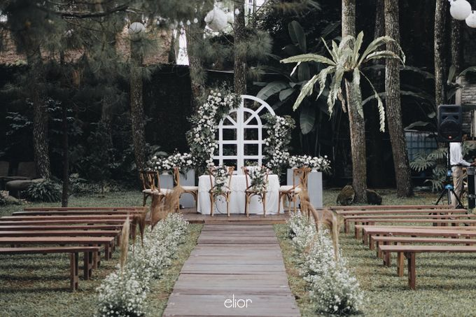 Intimate Wedding with Neon Accent for Yoga & Widya by Elior Design - 009