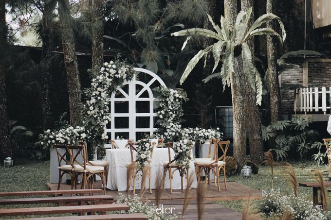 Intimate Wedding with Neon Accent for Yoga & Widya by Elior Design - 011