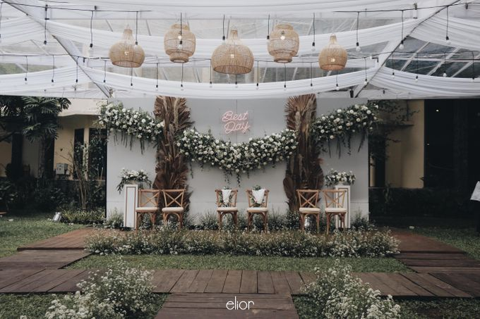 Intimate Wedding with Neon Accent for Yoga & Widya by Elior Design - 020