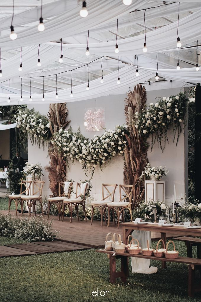 Intimate Wedding with Neon Accent for Yoga & Widya by Elior Design - 027