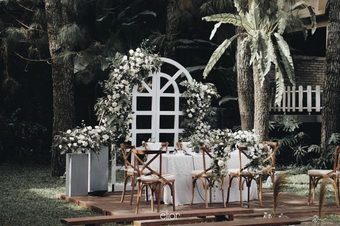 Intimate Wedding with Neon Accent for Yoga & Widya by Elior Design - 006