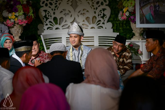 Wedding Moment Of Wiwit And Firli. by AIG FOTOGRAFI - 008