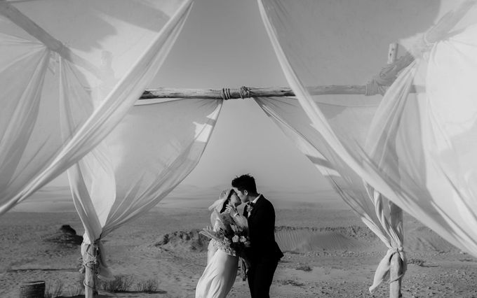 For years, I had the vision of capturing an elopement with camels in the dunes after a night in a Berber tent  by Fotomagoria - 030