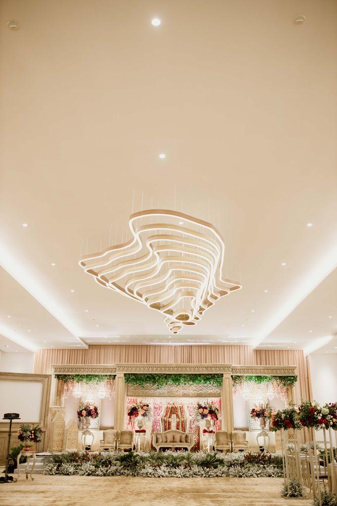 Zanita & Ugrasena Wedding Reception at The Allwynn by AKSA Creative - 018
