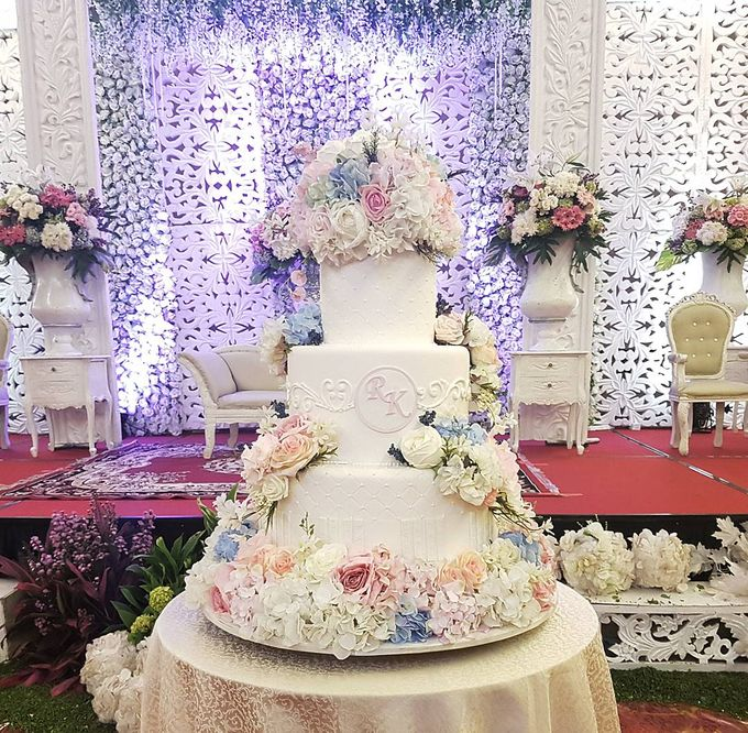 3 Tiers by Amor Cake - 005