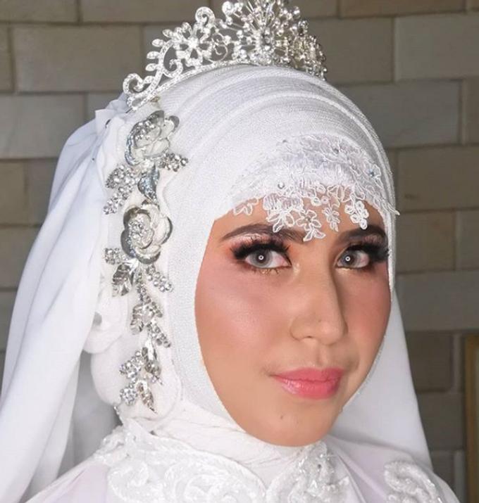 Wedding Make Up by Make Up by Mutiara Fallahdani - 007