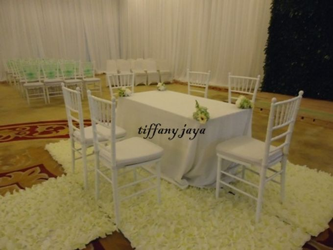 Tiffany Putih Kayu by TIFFANY JAYA RENT-KURSI TIFFANY - 008