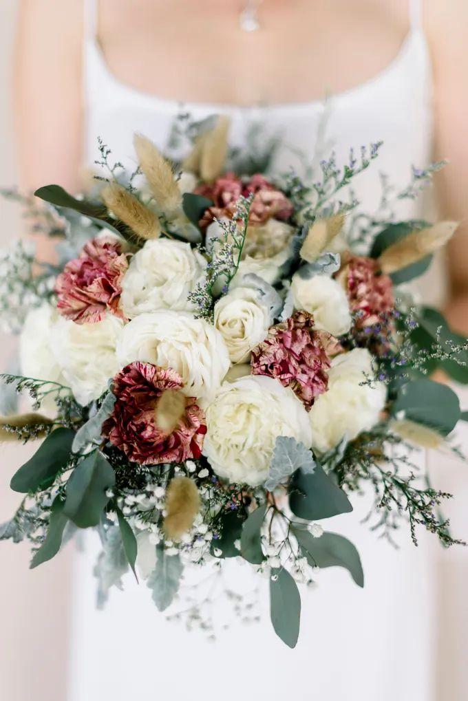 White Beauty Wedding theme by THE UNGASAN CLIFFTOP RESORT BALI - 003
